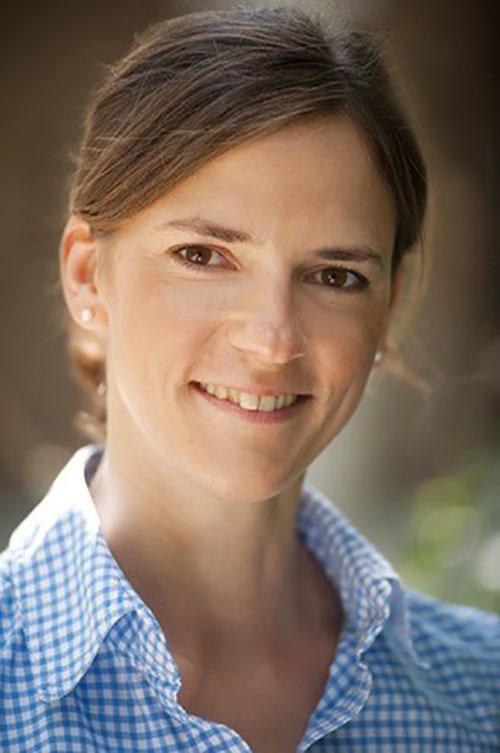 Tierärztin Dr. Andrea Rütz